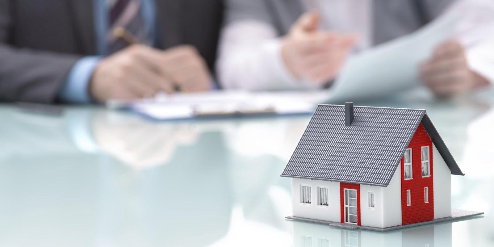 Наследование квартиры по закону и завещанию