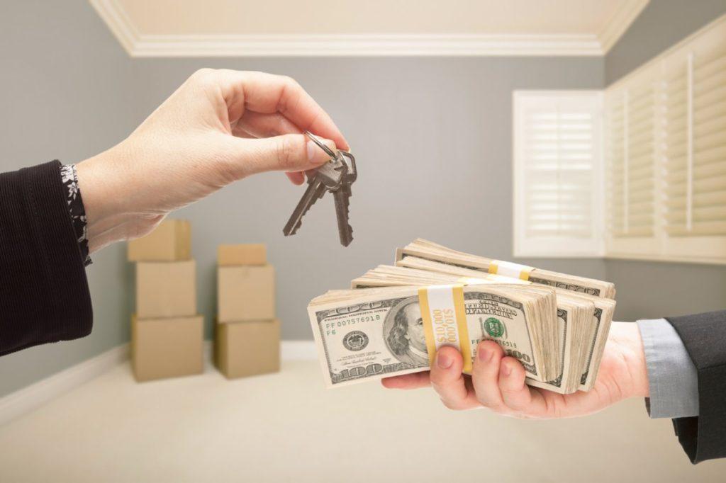 Проверяйте документы и покупайте квартиру сами! При минимальном знании закона вы сможете все сделать не хуже, чем с помощью юриста или агента по недвижимости.